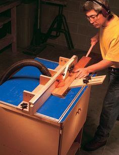 Cabinetmakers Router Table - The Woodworkers Shop - American Woodworker Wood Router Table, Making A Router Table, Homemade Router Table, Build A Router Table, Jet Woodworking Tools, Woodworking Projects That Sell, Woodworking Workbench, Popular Woodworking, Woodworking Magazine