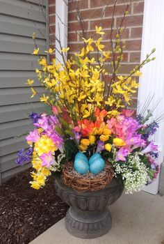 Welcome Spring urn created by Ashley Brant Designs