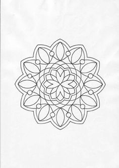 Beautiful and simple Mandala. Perfect for beginner or kids. Free printable or online coloring on hellokids.com