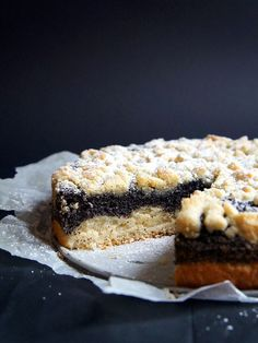 This is a German classic: German Poppy Seed Cake. A soft and fluffy bottom with a dense layer of poppy seed filling and buttery crumbles on top. what a delight! Read Recipe by German Desserts, Just Desserts, German Recipes, Austrian Recipes, Baking Recipes, Cake Recipes, Dessert Recipes, Poppy Seed Recipes, Poppy Seed Cake