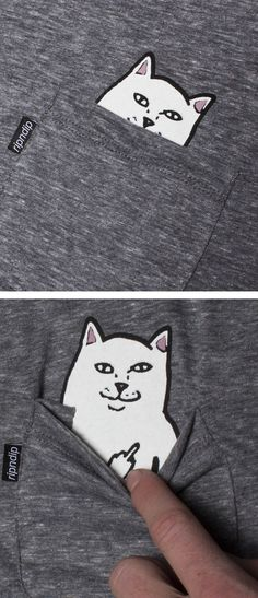 T-shirt chat sérigraphié. Qui se cache derrière cette poche- Cat t-shirt print - Who is hiding behind the pocket? Katzen T-Shirt Aufdruck - Wer versteckt cih hinter der Tasche? T Shirt Chat, Funny Shirts, Tee Shirts, Shirt Designs, Crazy Cat Lady, Diy Clothes, Clothes Refashion, Shirt Refashion, Diy Shirt