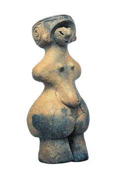 国宝(完全大形)妊娠土偶  長野県茅野市米沢にある縄文中期(4500年前)の棚旗遺跡から出土