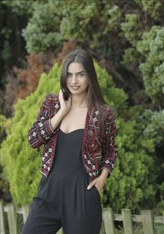 Amine Gülşe (born April is a Turkish actress, model and beauty pageant titleholder born and raised in Sweden. Iranian Beauty, Turkish Beauty, All Actress, Actress Pics, Turkish Women Beautiful, Fresh Face, Beauty Pageant, Turkish Actors, Celebs