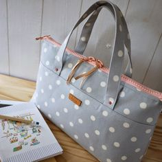 HandCarry Bag : Simple Dots . SOLD M a t e r i a l s : + Canvas, Cotton Linen  + Cow leather accessories + YKK Gia...