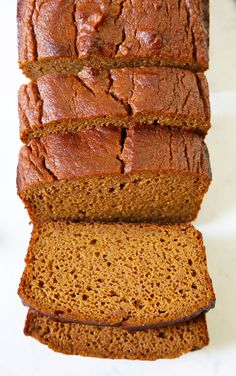 This perfectly spiced, one-bowl Gluten Free Pumpkin Bread is so moist and made using a nut-free blend of coconut and tapioca flour. Homemade Pumpkin Puree, Canned Pumpkin, Pumpkin Recipes, Cake Recipes, Gluten Free Pumpkin Bread, Pumpkin Butter, Vegan Pumpkin, Baking Soda Baking Powder, Baking Flour