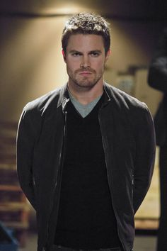 stephen amell (oliver jonas queen / green arrow) - arrow - muse of fire Colin Donnell, Arrow Cw, Team Arrow, Susanna Thompson, Tommy Merlyn, Oliver Queen Arrow, Dc Comics, O Flash, Stephen Amell Arrow