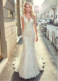 Stunning Tulle V-neck Neckline Mermaid Wedding Dress With Lace Appliques & Beadi., Stunning Tulle V-neck Neckline Mermaid Wedding Dress With Lace Appliques & Beadings Elegant Wedding Dress, Perfect Wedding Dress, Tulle Wedding, Dream Wedding Dresses, Bridal Dresses, Wedding Gowns, Bridesmaid Dresses, Prom Dresses, Evening Dresses