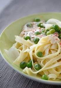 Tagliatelle mit Erbsen und Mascarpone: http://kochen.gofeminin.de/w/rezept/r2349/tagliatelle-mit-erbsen-und-mascarpone.html  #pasta