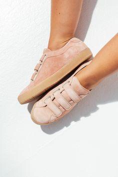 a141614236975 360 meilleures images du tableau petons   Beautiful shoes, Shoe ...