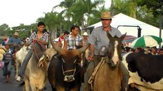 DESFILE DE CAVALEIROS JAGUARIÚNA 2014 P6