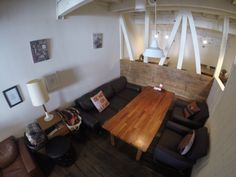 レザーのソファー席です。 3シーターレザーソファーと1シーター2席 https://www.facebook.com/cafeblue1916