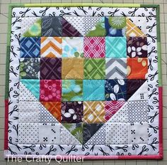 How to turn a Swoon block into a table topper | The Crafty Quilter | Bloglovin