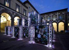 """""""La scoperta"""", installazione artistica #Natale 2014, #Lucca  Progetto: Domenico Raimondi - @thesignLab Foto: Beatrice Speranza Allestimento: Amandla Productions Stampa: Maria Regina Pubblicità srl"""