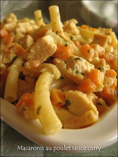 Macaronis au poulet sauce curry Poulet Sauce Curry, Cooking Tips, Cooking Recipes, Pasta Dishes, Pasta Salad, Italian Recipes, Healthy Snacks, Snack Recipes, Macaronis