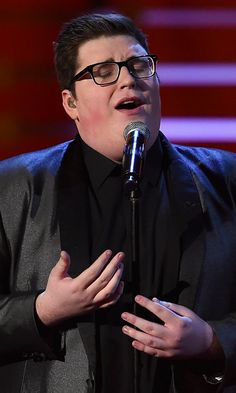 "Jordan Smith Takes the Stage For a Touching Performance of ""You Are So Beautiful"""