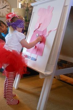 Peppa Pig birthday party Game. You can easily DIY this for heaps of fun. pin the snout on the Peppa.