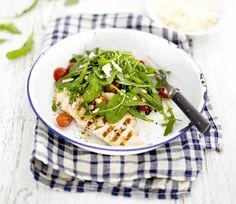 Chicken paillard eli broileri-rucolasalaatti | Soppa365