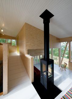 The Farm House designed by architecture firm Jarmund/Vigsnæs Architects was built for two historians and their children. The square foot square meters) home overlooks Lake Mjasa at an abandoned farm in Toten, Norway, Contemporary Architecture, Interior Architecture, Shed Design, House Design, Treehouse Cabins, Barn Renovation, House Extensions, Big Houses, Rustic Barn