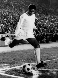 Eusébio as guest player of Real Madrid during Gento's testimonial in 1972.