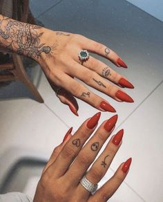 MUST READ: Hand Tattoos For Women - Get Your Cool Ideas, Designs & Tips tattoo designs, tattoo ideas, tattoo for women s Trendy Nails, Cute Nails, My Nails, Classy Nails, Long Nails, Short Nails, Nail Tattoo, Poke Tattoo, Tattoo Hand