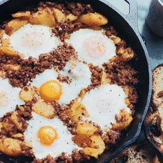 © John Kernick Brunch Upgrade: This hearty breakfast for a crowd features crumbled chorizo, chunks of crispy potatoes and eggs. Recipe: Baked Eggs with Chorizo and Potatoes Breakfast For A Crowd, Egg Recipes For Breakfast, Breakfast Bake, Brunch Recipes, Wine Recipes, Mexican Food Recipes, Cooking Recipes, Chorizo Breakfast, Crowd Recipes
