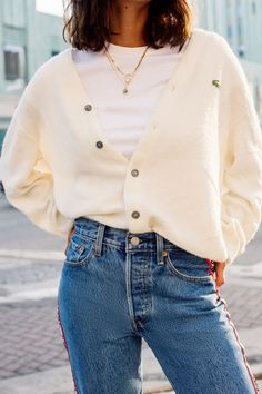 Irresistible Looking Great Ladies Golf Fashion Ideas. Mesmerizing Looking Great Ladies Golf Fashion Ideas. Cardigan Outfits, Komplette Outfits, Cardigan Fashion, Fall Outfits, Casual Outfits, Fashion Outfits, Outfits With Turtlenecks, Cream Cardigan Outfit, Golfing Outfits