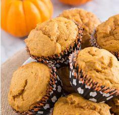 Elérkezett az ősz, és a sütőtökszezon. A bűntelen édesség (persze érték a mérték) pedig kimondottan jól esik egy hűvös, esős napon. Hozzvalók: Muffins, Pumpkin Muffin Recipes, Pumpkin Spice Latte, Spiced Pumpkin, Fall Baking, Fall Recipes, Sweet Recipes, Baked Goods, Just In Case