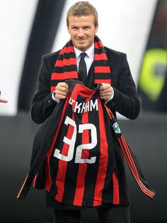 David Beckham greets fans at AC Milan's San Siro Stadium as he prepares to join the team. Football Icon, Football Fans, College Football, Ac Milan, Ciao Milano, Paolo Maldini, Pier Paolo Pasolini, Bend It Like Beckham, European Soccer