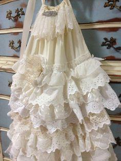 BOHO girls dress, flower girl dress, Shabby Chic Country girls dress, Vintage Dress, 8,9,10 Ready to ship