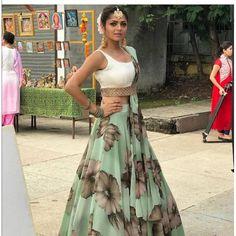 Silsila Badalte Rishton Ka: Drashti Dhami aka Nandini Outfits Are Major Fashion Goals! Green Lehenga, Indian Lehenga, Lehenga Choli, Sharara, Floral Lehenga, Bridal Lehenga, Silk Sarees, Pakistani, Choli Designs