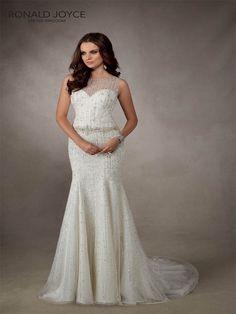 #Sale #WeddingDress #RonaldJoyce #Adelaide www.prudencegowns.com/sale/