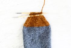 Cottage Socks - Knitting Tutorial — Hooked On Tilly Cable Knitting Patterns, Free Knitting, Baby Knitting, Cable Knit Socks, Knit Mittens, Knitting Books, Knitting Projects, Knitting Ideas, Crochet Patterns For Beginners