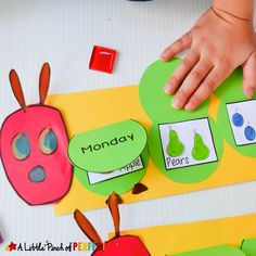 Hungry Caterpillar Flap Book Craft and Free Template is part of Kids Crafts Spring Very Hungry Caterpillar You children and students can make a hungry caterpillar craft that's a perfect book exte - The Very Hungry Caterpillar Activities, Hungry Caterpillar Craft, Caterpillar Book, Bug Crafts, Preschool Activities, Kids Crafts, Days Of The Week Activities, Preschool Kindergarten, Craft Kids