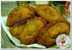Kulinarya's theme for the month of March 2010 is EMPANADA . This Spanish influenced dish is always a favourite in parties and . Filipino Appetizers, Filipino Dishes, Filipino Food, Filipino Desserts, Pork Empanadas, Empanadas Recipe, Filipino Empanada, Best Filipino Recipes, Pork Recipes