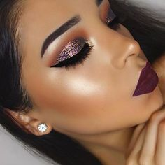 How to Wear Glitter Makeup Without Looking Like a Disco Ball - Trend To Wear