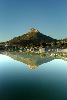 Camps Bay, Cape Town, South Africa been there it`s so Beautiful! Places Around The World, The Places Youll Go, Places To See, Around The Worlds, Pretoria, Places To Travel, Travel Destinations, Voyager Loin, Le Cap