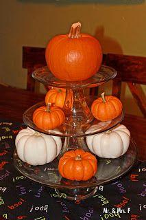 halloween decor ideas use mini pumpkins and gourds for a centerpiece - Discount Halloween Decor
