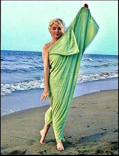 Marilyn poses in a green towel on Santa Monica Beach. Photo by George Barris, 1962 Marilyn Monroe Death, Marilyn Monroe Photos, Imperfection Is Beauty, Dior Dress, Norma Jeane, Santa Monica, In Hollywood, Photo Sessions, Monroe Quotes