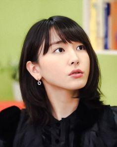 新垣結衣 Nihon, Japanese Beauty, Cute Girls, Perfume, Actresses, Aragaki Yui, Face, Womens Fashion, Goals