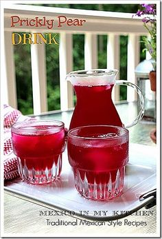 Prickly Pear drink, easy to make and so refreshing! Agua de tuna- I will be adding limeade to my batch. Prickly Pear Recipes, Prickly Pear Juice, Prickly Pear Cactus, Mexican Fresh, Mexican Drinks, Mexican Food Recipes, Mexican Dishes, Spanish Recipes, Jelly Recipes