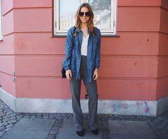 Pink Wall, Blue Boots - TRINE'S WARDROBE