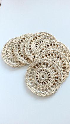 Crochet Coaster Pattern, Crochet Motif Patterns, Crochet Designs, Dishcloth Knitting Patterns, Mode Crochet, Crochet Home, Knit Crochet, Crochet Doilies, Crochet Flowers