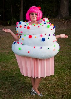 Best Halloween Food Costumes for Adults and Kids - iVillage Costume Cupcake, Costume Bonbon, Cupcake Halloween Costumes, Halloween Costumes For Girls, Adult Costumes, Halloween Party, Girl Halloween, Halloween Ideas, Food Costumes