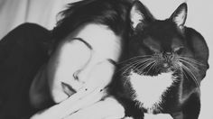 Silvia Grav is a Spanish photographer who creates mostly black and white surreal images with the idea to express her deepest emotions and human fears and passion. Surrealism Photography, Animal Photography, Silvia Grav, Historical Images, Contemporary Photography, White Image, Animal Drawings, Black And White Photography, Twitter