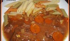 Hovězí maso s nevšední chutí Pot Roast, Thai Red Curry, Crockpot, Chili, Soup, Ethnic Recipes, Cooking, Carne Asada, Roast Beef