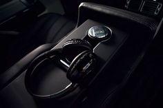 Range Rover Vogue rear seat entertainment #rangerover #landrover #vogue #entertainment #headphones #music #tv #film #video #car #Cars #carsofinstagram #instacar #instacars #supercar #supercars #suv #luxury #luxurylife #luxurylifestyle #scp #sydney #sydneycityprestige via Headphones on Instagram - Best Sound Quality Audiophile Headphones and High-Fidelity Premium Earbuds for Hi-Fi Music Lovers by AudiophileCans