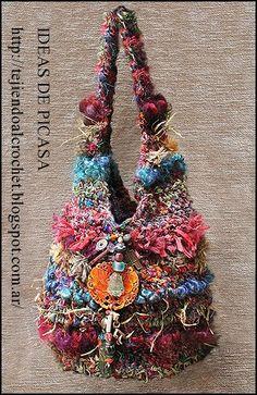 For Inspiration - Bird's Nest Crochet Roving Bags. Funky bags made from fun fibers: recycled sari silk, banana silk, bamboo, twine, wool roving and novelty fibers. Crochet Shell Stitch, Single Crochet Stitch, Crochet Stitches, Crochet Patterns, Knitting Patterns, Crochet Handbags, Crochet Purses, Crochet Bags, Freeform Crochet