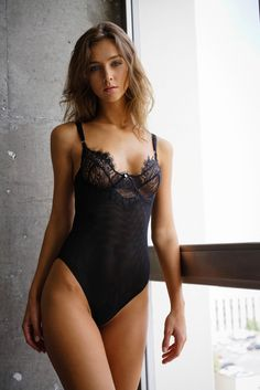 Rachel Cook bandies never-ending grace in a hotel room in L.A. - C-Heads Magazine