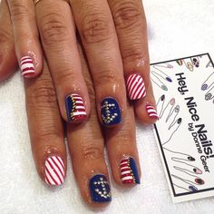 @cc_squared is ready for Europe with her nautical #nailart