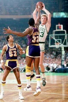 Larry Bird of the Boston Celtics passes against Magic Johnson of the. I Love Basketball, Basketball Legends, Basketball Players, Celtics Basketball, Basketball Shoes, Basketball Pictures, Lakers Celtics, Boston Celtics, Lakers Vs